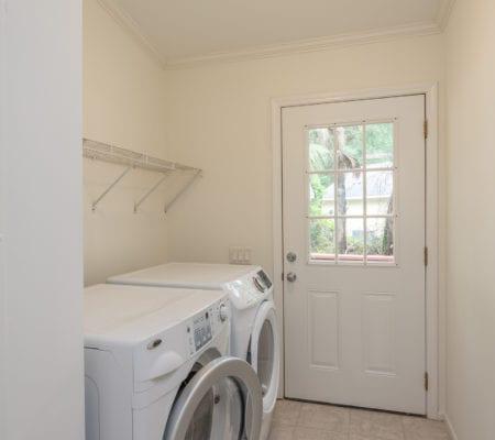 31 River Tree Circle - Ensuite Laundry