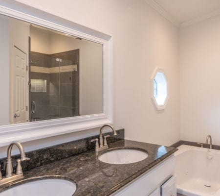 31 River Tree Circle - Master Bathroom