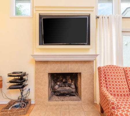 9 Scaup Court - Fireplace