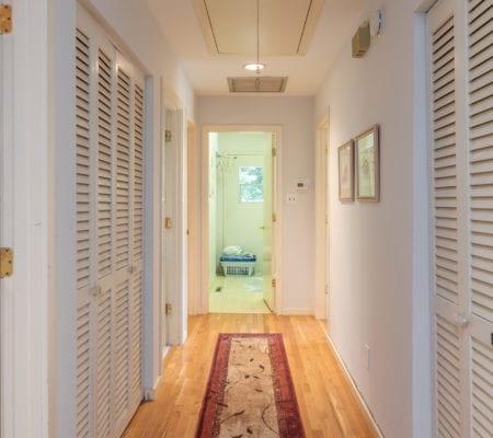 10 Willow Oak Road West - Hallway