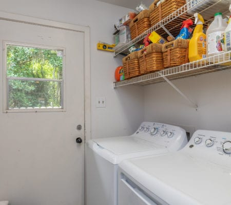 10 Willow Oak Road West - Laundry Room