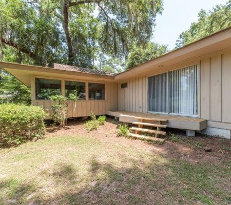 10 Willow Oak Road West - Backyard