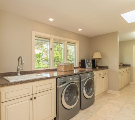 5 Sawtooth Court - Laundry Room