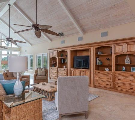 38 Gull Point Road - Living Room