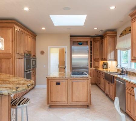 38 Gull Point Road - Kitchen