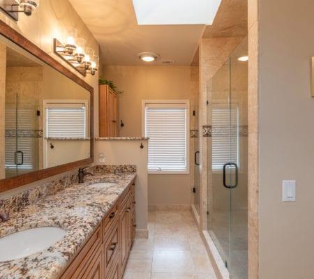 38 Gull Point Road - Ensuite Bathroom