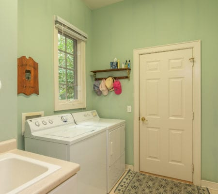 8 Retreat Lane - Laundry Room
