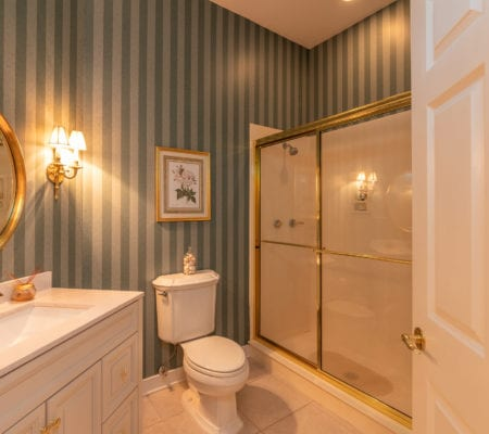 8 Retreat Lane - Master Ensuite