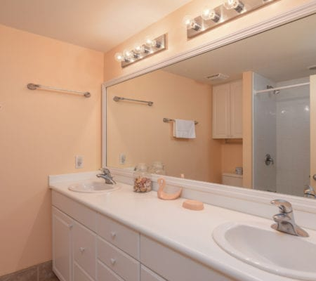 1866 Beachside Tennis Villas - Bathroom