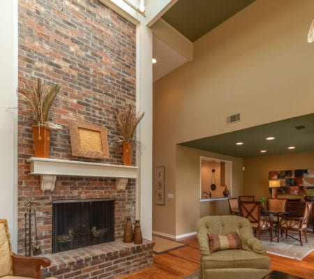 19 Mizzenmast Court - Fireplace