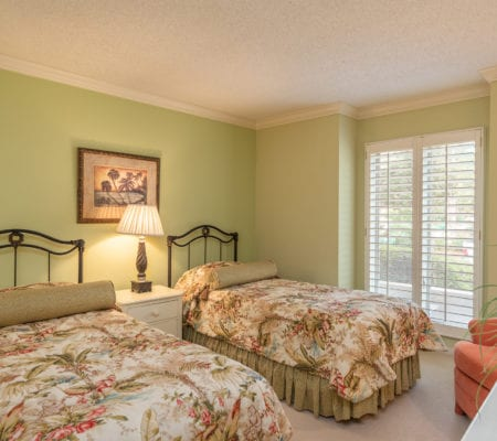 19 Mizzenmast Court - Second Bedroom