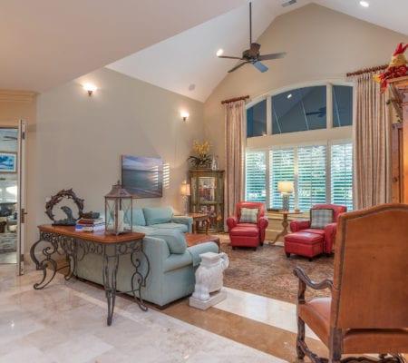7 Seabrook Landing Drive - Main Living Room
